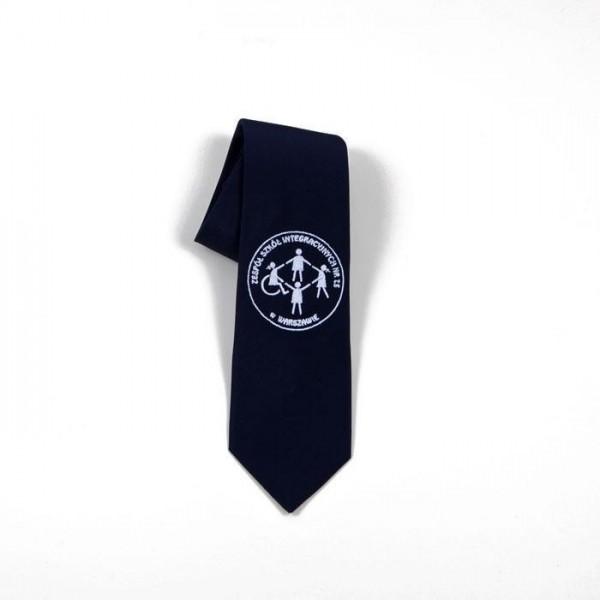 krawat z haft szkolnym